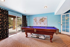 Entertainment room with pool table Royalty Free Stock Photos