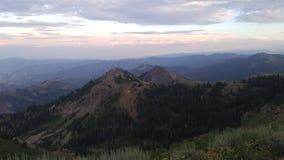 Entfernte Berge lizenzfreies stockfoto