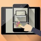Entgegenkommendes Webdesign auf verschiedenen Geräten Stockfotografie