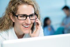 Enthusiastische Geschäftsfrau Lizenzfreie Stockfotos