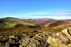 Entlang der Cumbria-Weise zu Skiddaw Stockfotos