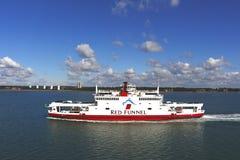 Entonnoir rouge (formellement l'île de Southampton de Wight et de South of England Royal Mail Steam Packet Company Limited Photos libres de droits