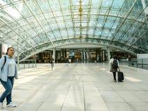 Entrée à l'aéroport de Francfort d'immeuble de bureaux de Squaire Photos stock