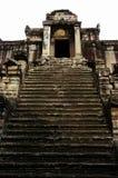entrée Angkor Wat de temple Photos stock