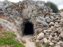 Entrée au bâtiment avec des pierres dans la forteresse de Fortezza, la ville grecque de Rethymnon photo libre de droits