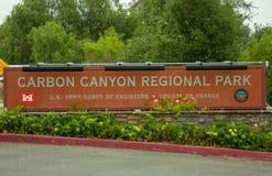 Entrée au parc régional de canyon de carbone photographie stock libre de droits