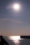 Entrée au port de Shoreham au coucher du soleil Image libre de droits