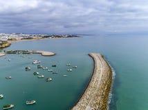Entrée au port maritime de port de pêche dans Albufeira Algarve Image stock