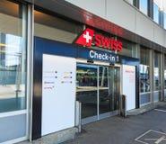 Entrée au secteur d'enregistrement de l'aéroport de Zurich Photographie stock libre de droits