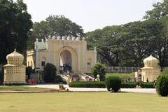 Entrée aux jardins au palais d'été de Sultan Tipu photo libre de droits