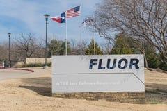 Entrée aux sièges sociaux du monde de Fluor Corporation à Irving, Photographie stock