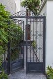 Entrée coloniale élégante de maison Photos libres de droits