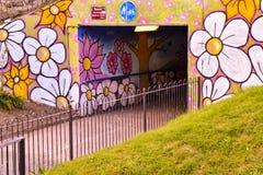 Entrée colorée de souterrain à Chelmsford, Essex, Angleterre photographie stock libre de droits