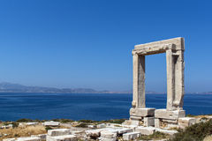 Entrée d'Apollo Temple, île de Naxos, Cyclades Image libre de droits