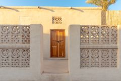 Entrée d'une vieille maison enovated, Ras Al Khaimah images stock