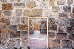 Entrée dans le mur Photo stock
