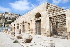 Entrée dans le petit amphithéâtre romain à Amman Image libre de droits