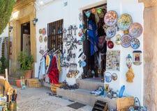 Entrée de boutique de souvenirs espagnole traditionnelle Images stock