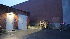 Entrée de hangar de stockage pour les matériaux dangereux photo libre de droits