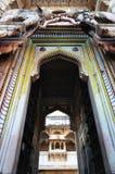Entrée de palais de Bundi Image stock