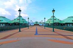 Entrée de pilier de station de vacances de Disneyland, Hong Kong Photographie stock libre de droits