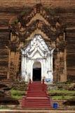 Entrée de stupa de brique Images stock