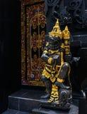 Entrée de temple de Bali avec le gardien Photo libre de droits