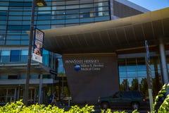 Entrée extérieure chez Penn State Hershey Medical Center Photographie stock libre de droits