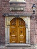 Entrée Front Door de maison urbaine Photographie stock libre de droits