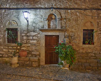 Entrée médiévale d'église Photos stock