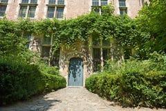 Entrée médiévale de maison de conte de fées Images stock