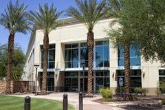 Entrée moderne d'immeuble de bureaux de corporation Images stock