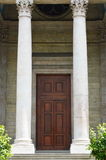 Entrée principale de St Pierre Cathedral d'église de Genève Image stock
