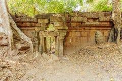 Entrée ruineuse, merci temple de Prohm, Angkor Thom, Siem Reap, Cambodge Images stock