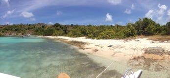 Entrée vers l'île d'oiseau Antigua Image stock