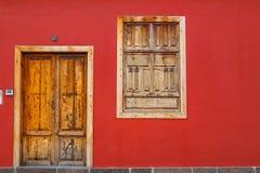 Entrées principales colorées à la maison Photo stock