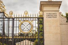 Entró en el cementerio militar americano de Suresnes imagen de archivo