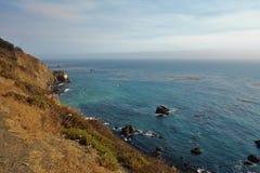 Entraînement en Californie sur l'itinéraire 1 de route de Côte Pacifique Images stock