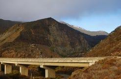 Entraînement en Californie sur l'itinéraire 1 de route de Côte Pacifique Photos libres de droits