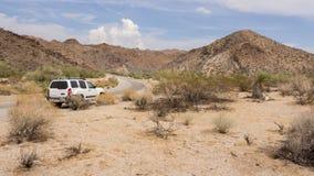 Entraînement par le désert en Californie USA image stock