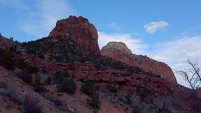 Entraînement par Zion Canyon National Park en Utah - photographie de voyage banque de vidéos