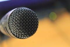 Entraîneur Studio Microphone de voix photos libres de droits