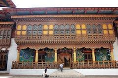 Entrace decorativo a um templo dentro de um Castel imagens de stock