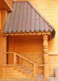 Entrada à casa de madeira Fotos de Stock