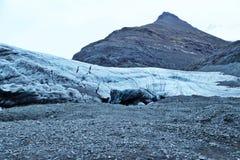 Entrada à caverna de gelo islandêsa Foto de Stock