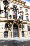 Entrada à embaixada de Romênia em Praga, República Checa Fotos de Stock Royalty Free