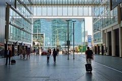 Entrada à estação de trem da central de Haia Fotografia de Stock Royalty Free