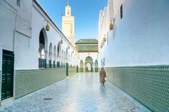 Entrada à mesquita e túmulo de Moulay Idriss 1er Moulay Idriss Zerhoun, Marrocos imagens de stock