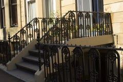 Entrada al edificio de la vivienda en las calles de Glasgow Fotografía de archivo libre de regalías