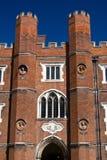 Entrada al Hampton Court Fotografía de archivo libre de regalías